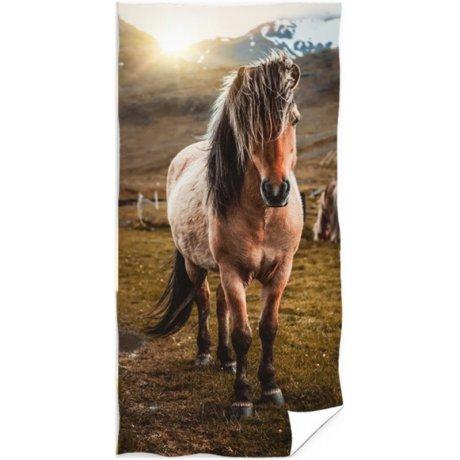 Bavlněná plážová osuška Kůň v horách